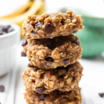 4-Ingredient Peanut Butter Banana Oatmeal Cookies
