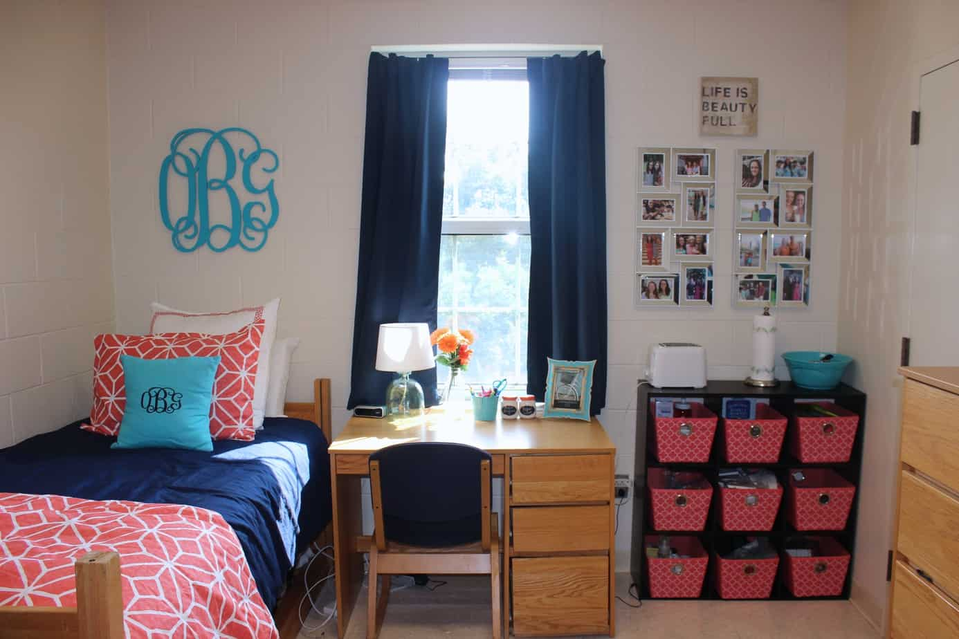 Dorm Room: Dorm Room Tour