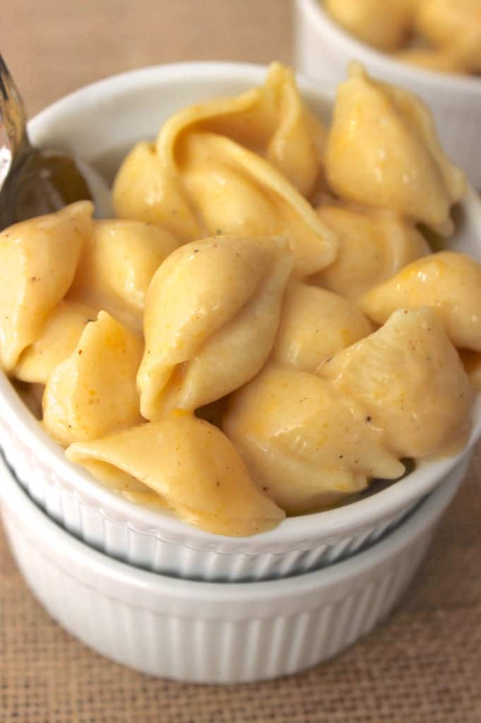 Lightened up mac and cheese made with NO butter or cream! It's skinny mac and cheese!