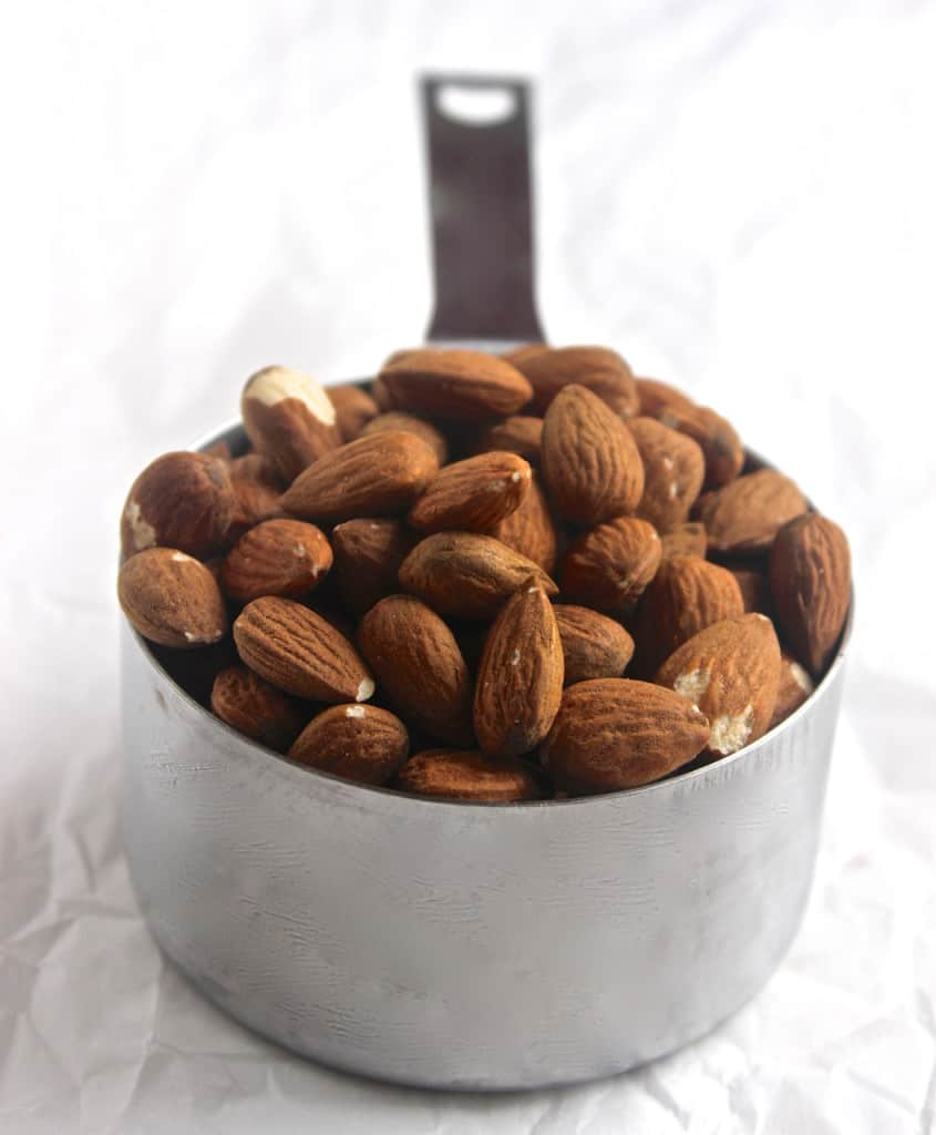 Homemade Dark Chocolate Almonds- super healthy and naturally low in sugar!