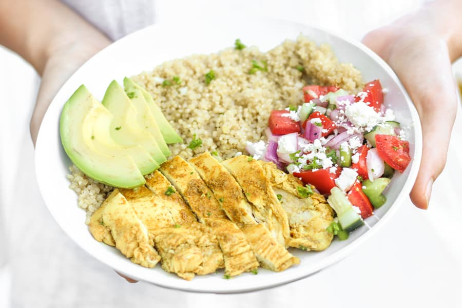 Yummy chicken shawarma quinoa bowls for a healthy dinner! Top with hummus or tzatziki sauce!