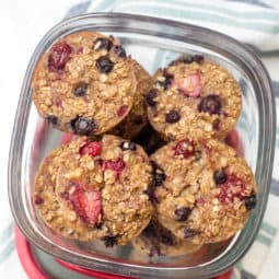 Mixed Berry Baked Oatmeal Cups