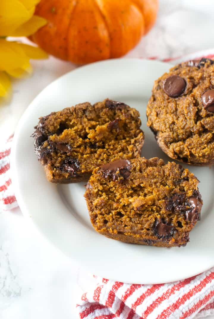 Healthy flourless chocolate chip pumpkin muffins
